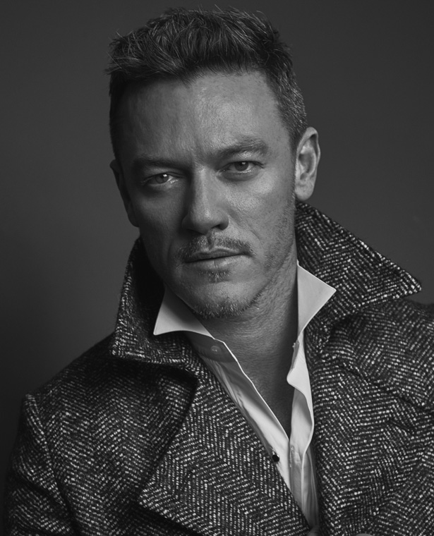 L'Officiel Hommes – Luke Evans