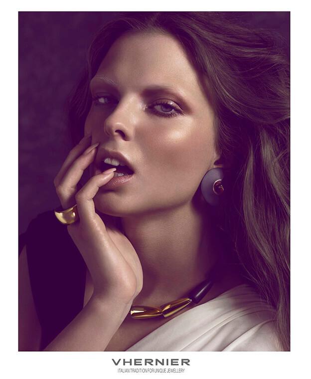 vhernier-advertising-women-jewels