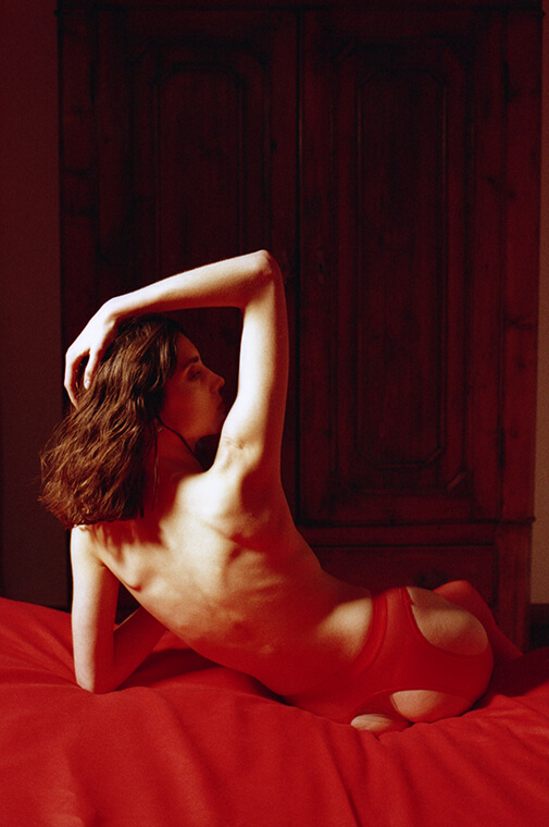 editorial red photos